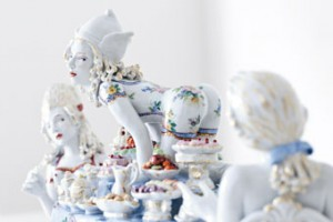 Chris Antemann in collaboration with Meissen®, Covet, 2013. © Chris Antemann and Meissen Couture®.