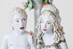Chris Antemann in collaboration with Meissen®, Tempted to Taste (detail), 2013. © Chris Antemann and Meissen Couture®.