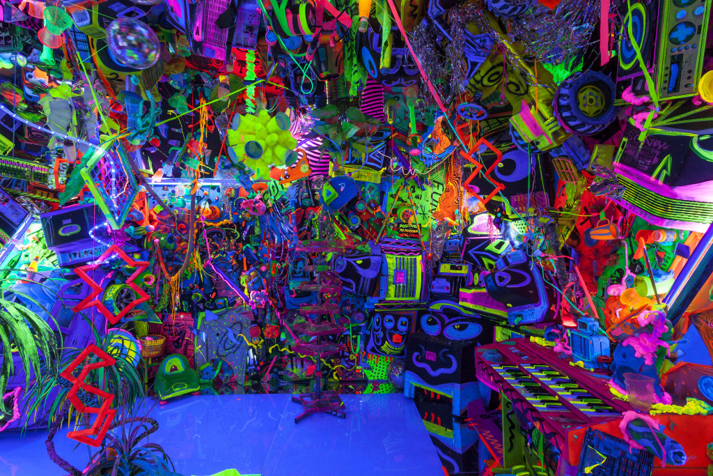 Kenny Scharf, Cosmic Cavern. Courtesy Honor Fraser Gallery. Photo Joshua White/JWPictures.com.