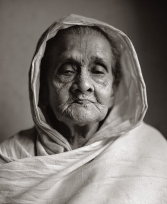 Fazal Sheikh, Abala Dasi ('Poor woman'), Vrindavan, India, 2005, from the series Moksha. © Fazal Sheikh.